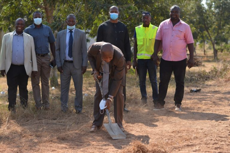 VICE CHANCELLOR OF UDS CUT SOD FOR THE CONSTRUCTION OF THREE-STOREY OFFICE COMPLEX FOR THE WEST AFRICAN CENTRE FOR WATER, IRRIGATION AND SUSTAINABLE AGRICULTURE (WACWISA)